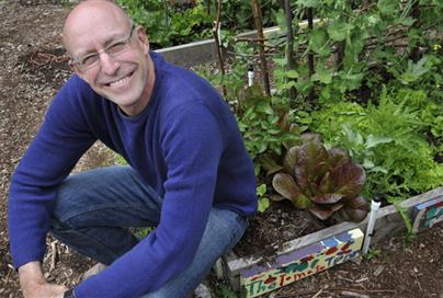 Michael Pollan advierte del veneno de la comida industrial